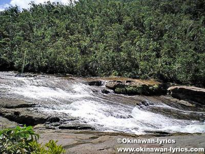 カンピレーの滝@西表島