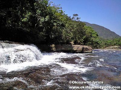 カンピレーの滝@西表島縦断