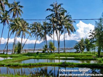 マニンジャウ湖(Danau Maninjau)