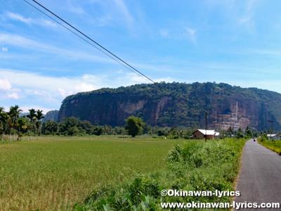 ハラウ渓谷(Lembah Harau)近く