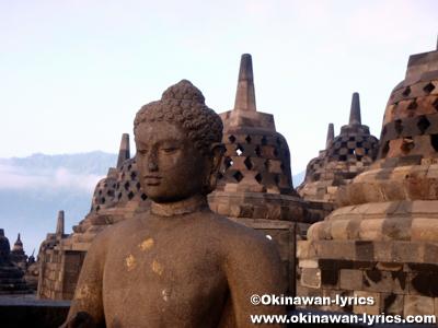 ボロブドゥール寺院 Candi Borobudur:ジャワ島(Pulau Jawa)、インドネシア