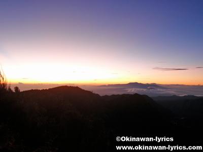 ブロモ山の日の出(Sunrise at Gunung Bromo)