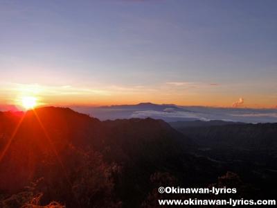 ブロモ山の日の出