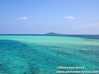 池間大橋からの大神島