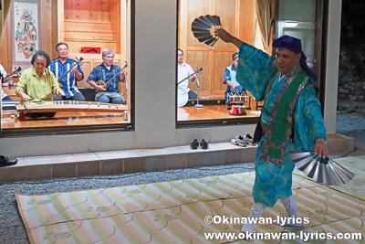 琉球舞踊の奉納@比嘉区豊年祭(浜比嘉島)