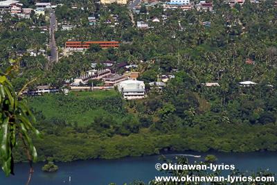 ソケースマウンテン頂上から見たサウスパークホテル@ポンペイ(ミクロネシア連邦)