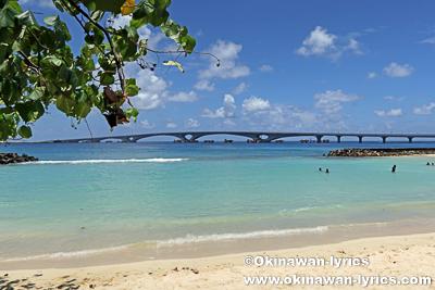 マーレ島と空港を結ぶ橋@モルディブ