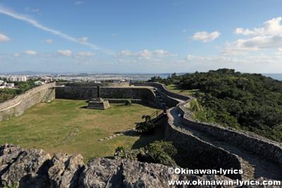 「一の郭」からの「二の郭」の眺め@中城城跡